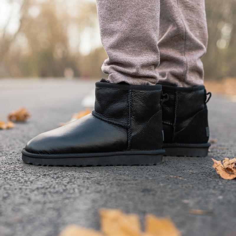😊ugg classic mini ii boot leather🤗женские угги сапоги на зиме ...