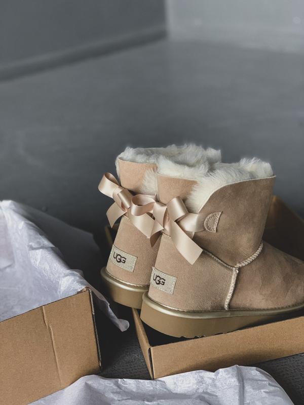 😊ugg bailey bow mini beige 🤗 женские зимние угги сапоги натура... - Фото 2