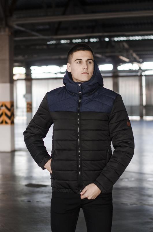 Мужская куртка чёрная с синим зимняя стильная
