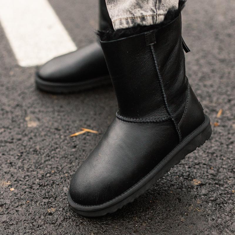 😊ugg classic short ii zip boot🤗 женские зимние угги сапоги чёр...