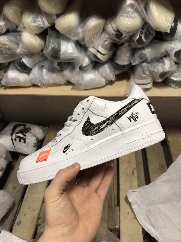 Шикарные кроссовки nike air force