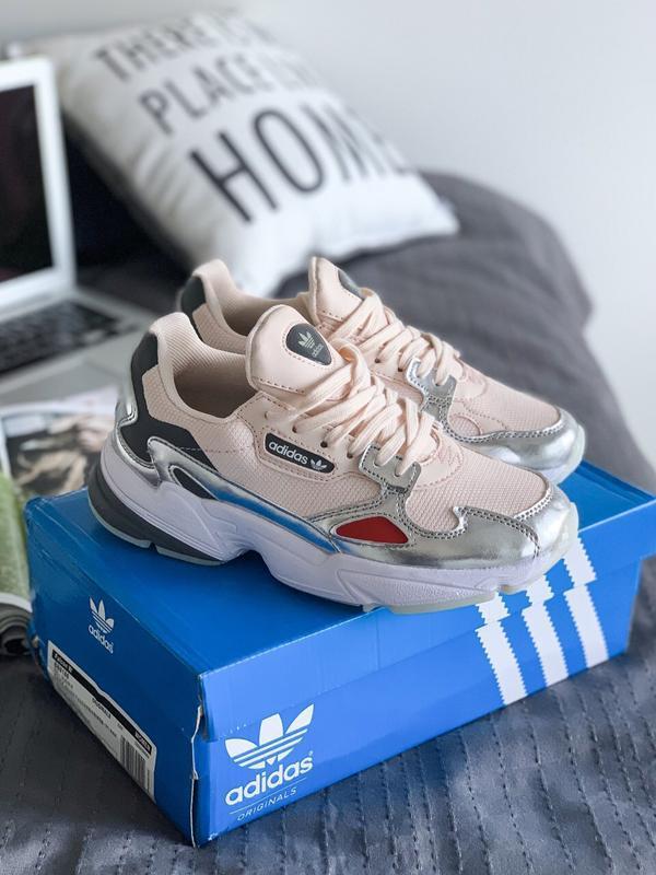 Шикарные женские кроссовки adidas falcon w