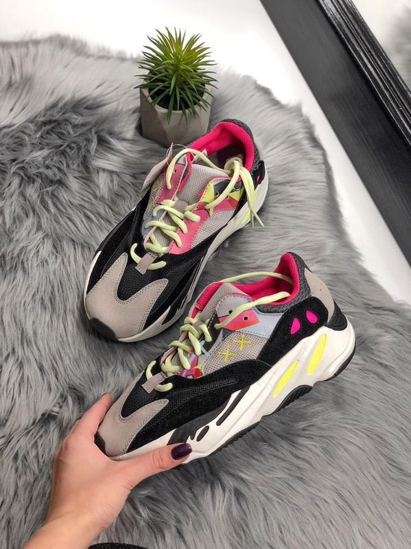 Шикарные женские кроссовки adidas yeezy boost 700 - Фото 4