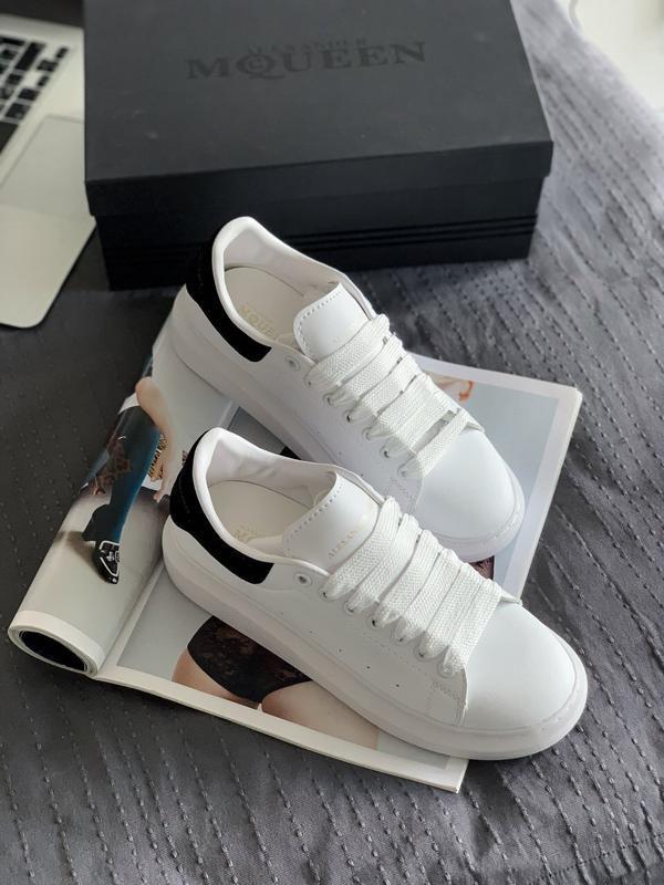 Шикарные кроссовки alexander mcqueen sneaker