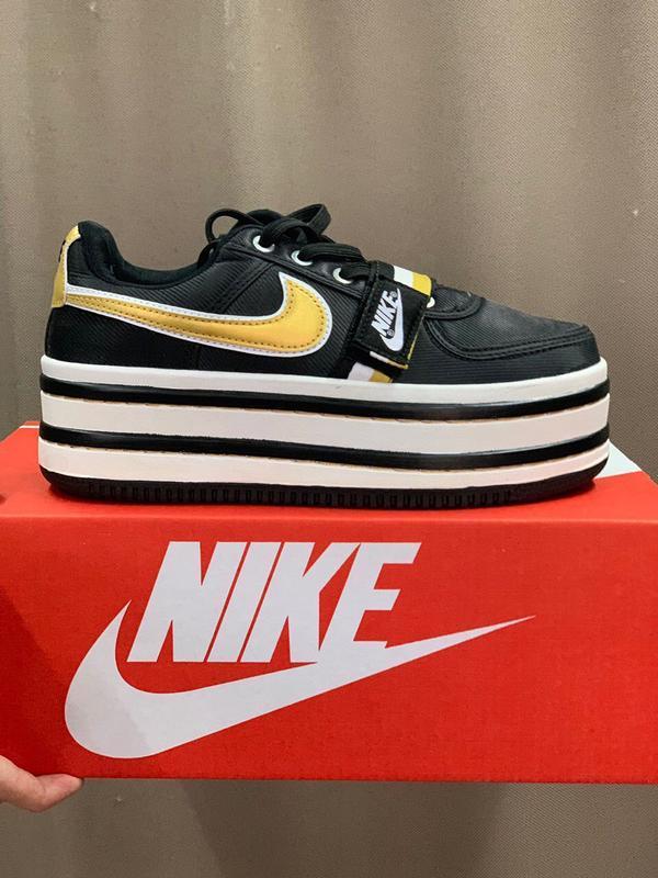 Шикарные женские кроссовки nike vandal 2k black/gold
