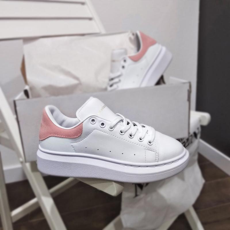 Шикарные женские кроссовки alexander mcqueen white pink