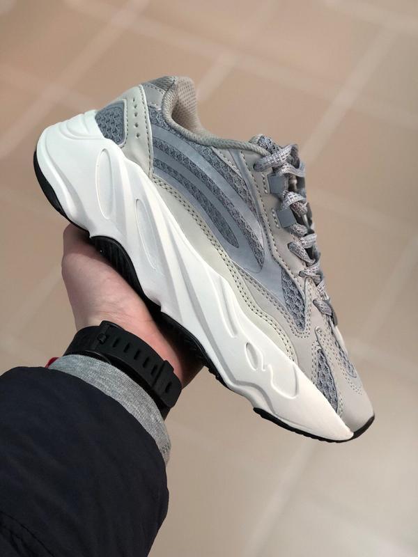 Шикарные женские кроссовки adidas yeezy boost 700 v2 static