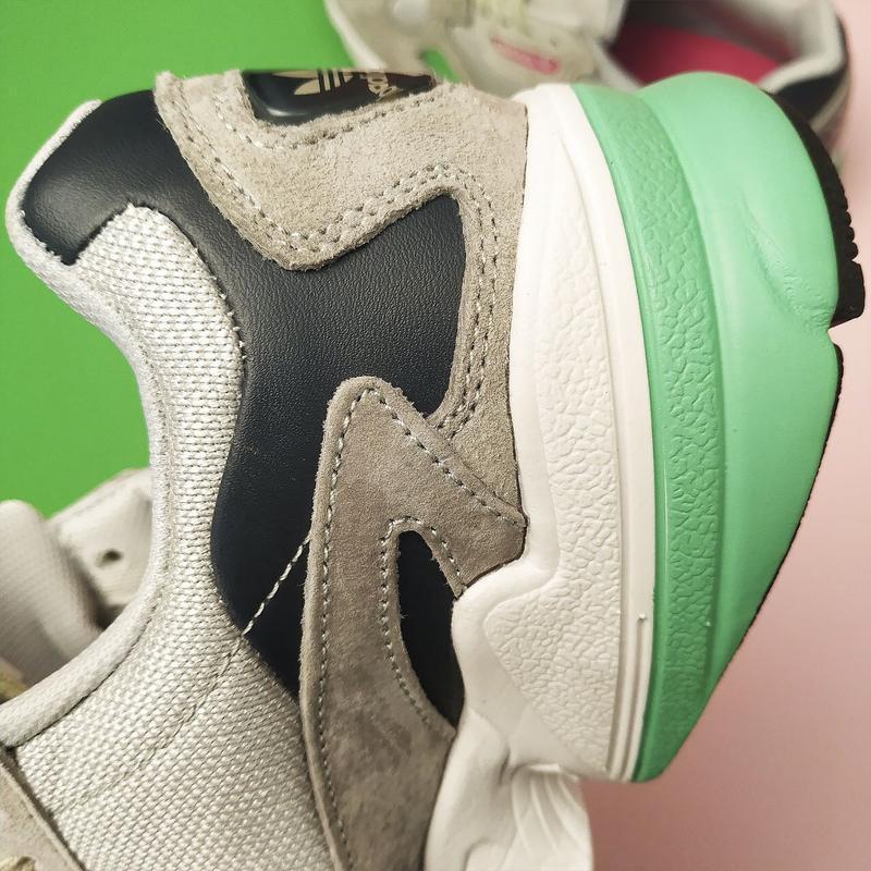 Шикарные женские кроссовки adidas falcon grey/green - Фото 4