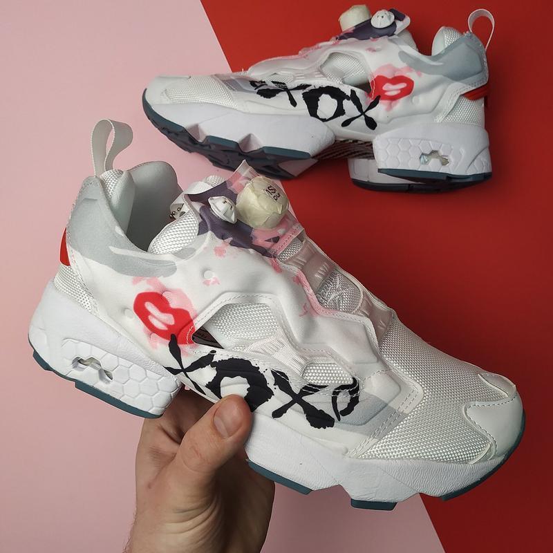 Шикарные женские кроссовки reebok insta pump xoxo