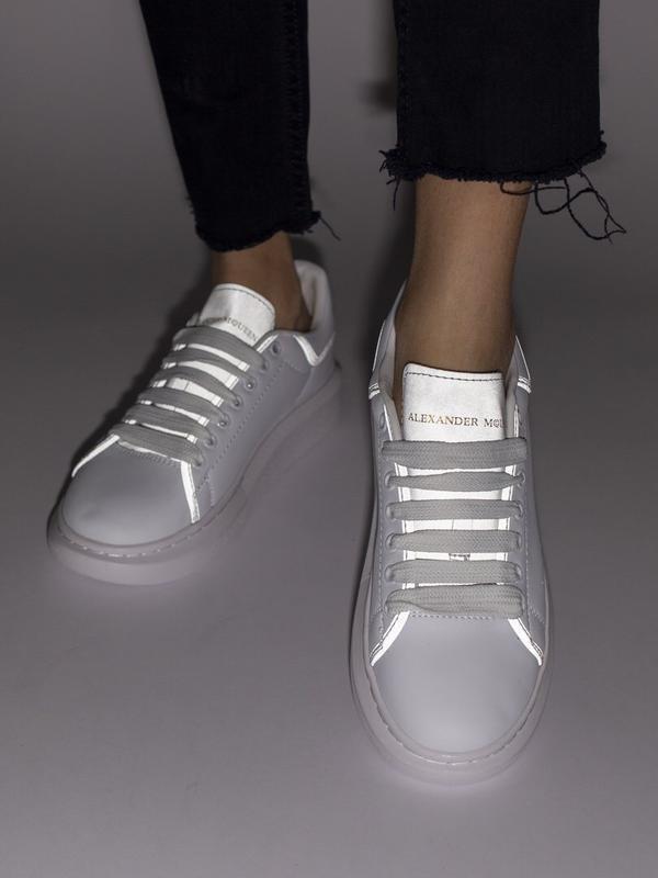 Шикарные женские кроссовки alexander mcqueen reflective
