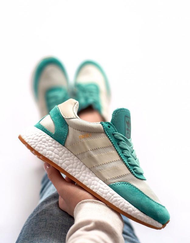 Шикарные женские кроссовки adidas iniki