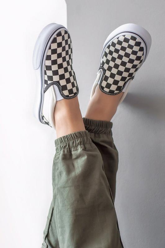Шикарные женские мокасины  vans slip on checkerboard - Фото 2