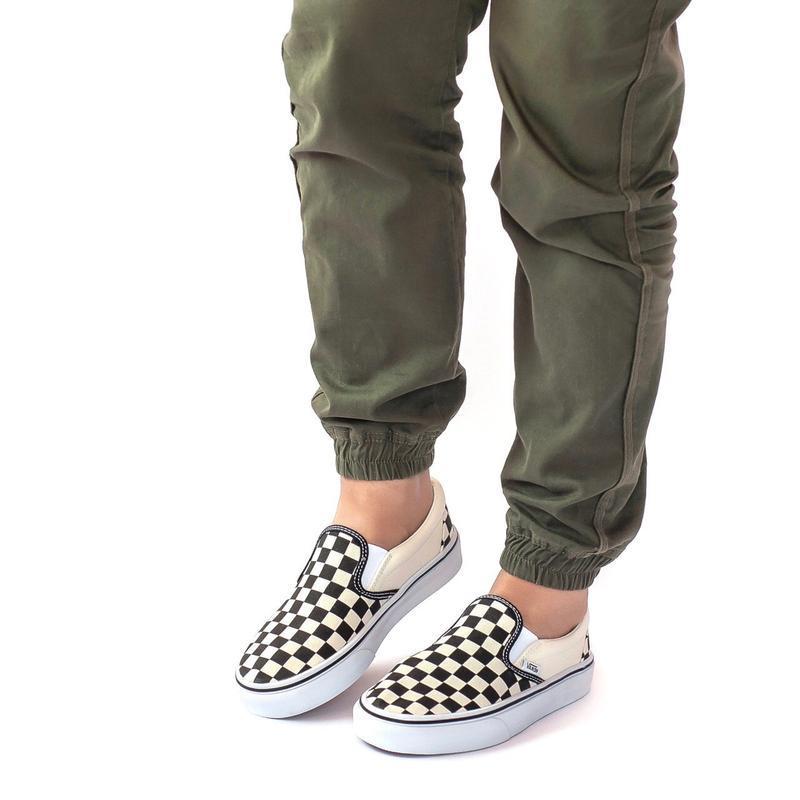 Шикарные женские мокасины  vans slip on checkerboard - Фото 3