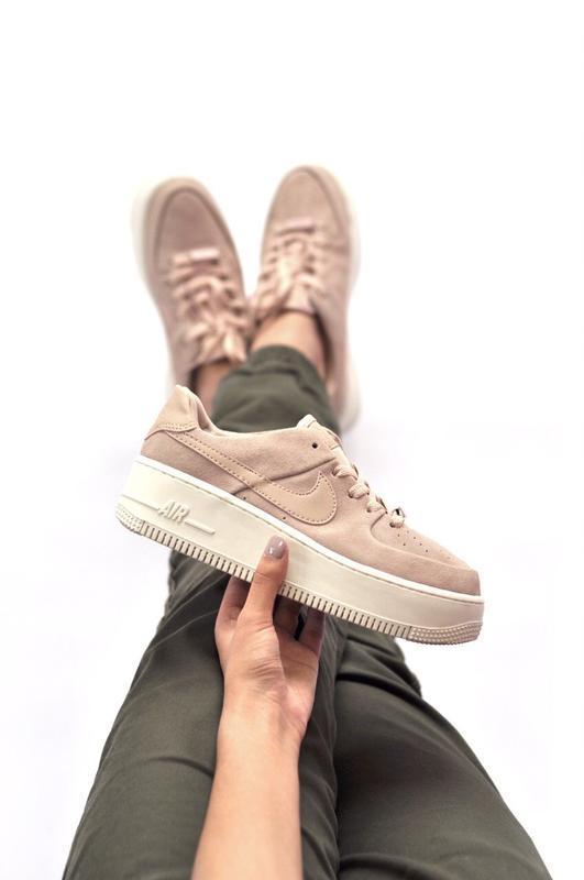 Шикарные женские кроссовки nike force sage low