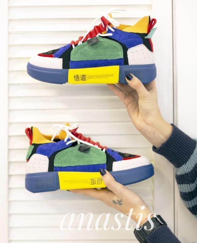 Шикарные женские кроссовки landaibal