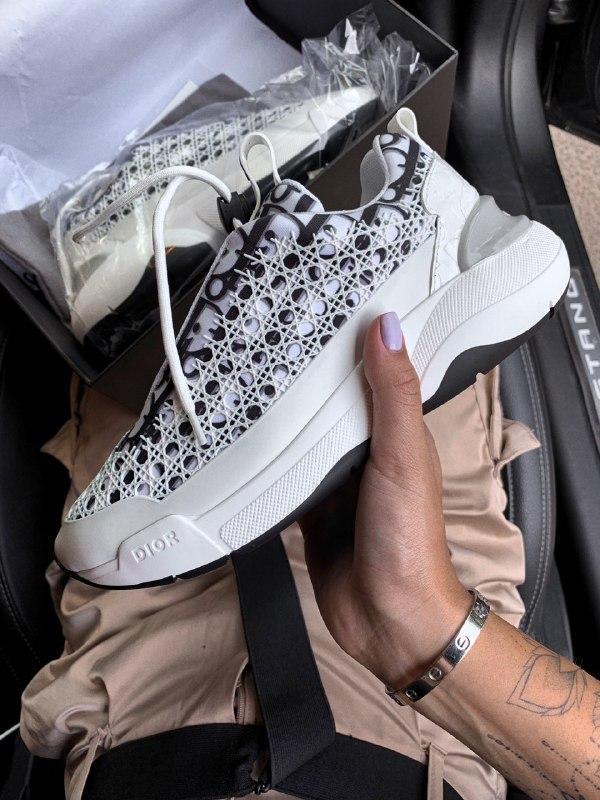 Шикарные женские кроссовки dior