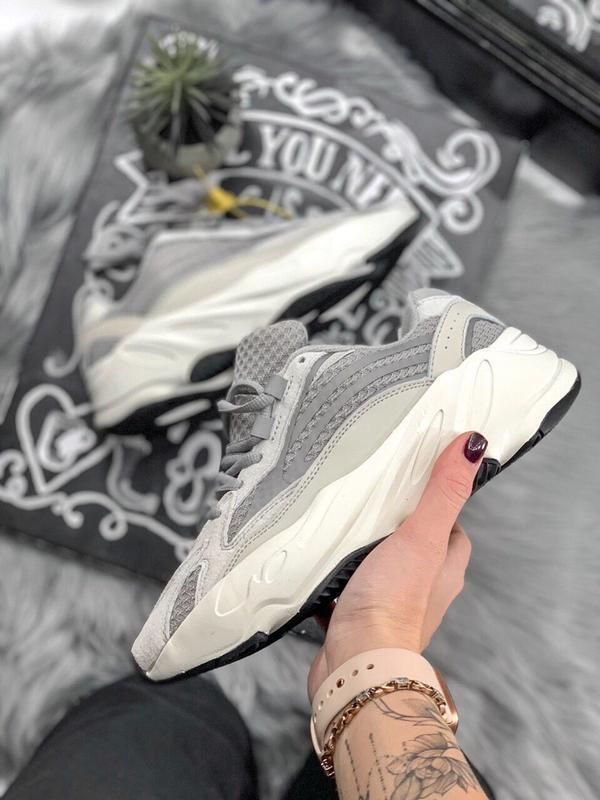 Шикарные женские кроссовки adidas yeezy static 700 v.2.0
