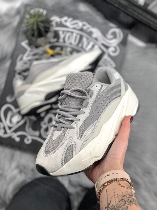 Шикарные женские кроссовки adidas yeezy static 700 v.2.0 - Фото 2