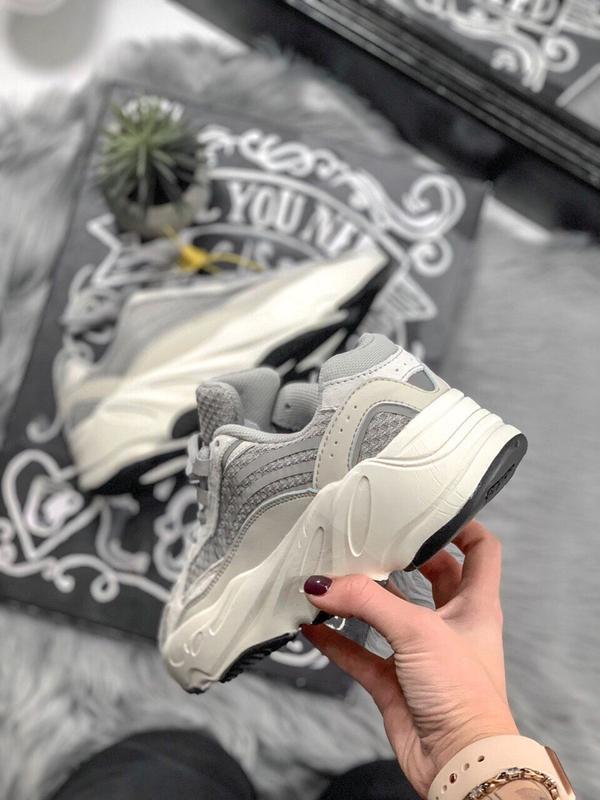 Шикарные женские кроссовки adidas yeezy static 700 v.2.0 - Фото 3