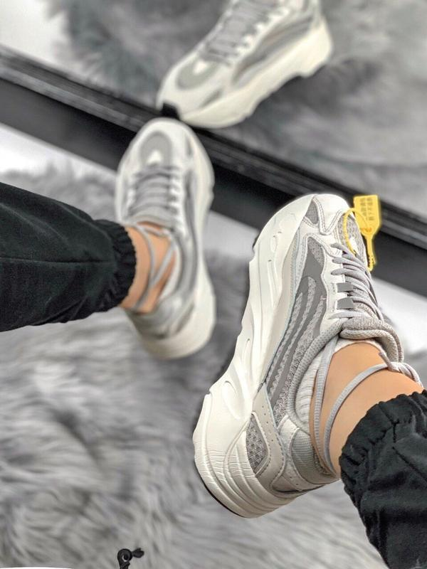 Шикарные женские кроссовки adidas yeezy static 700 v.2.0 - Фото 4