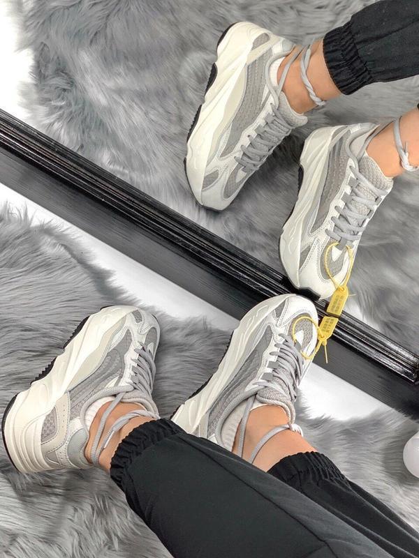 Шикарные женские кроссовки adidas yeezy static 700 v.2.0 - Фото 5