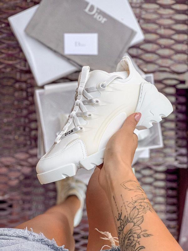 Шикарные женские кроссовки dior white
