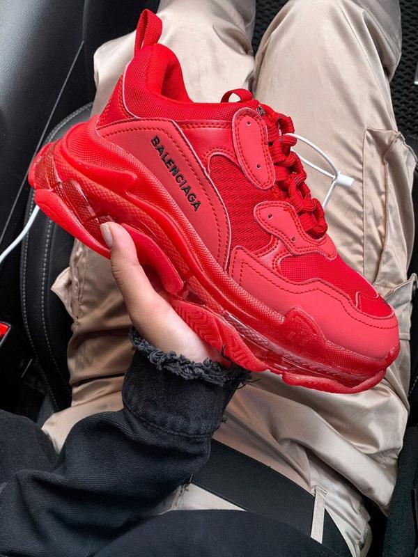 Шикарные женские кроссовки balenciaga triple s red