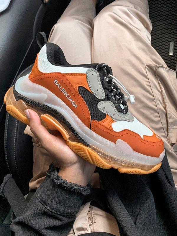 Шикарные  кроссовки balenciaga triple s