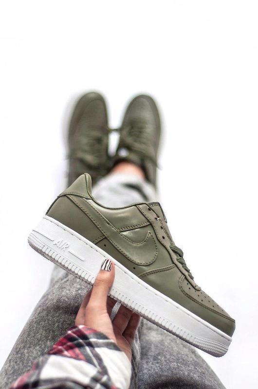 Шикарные женские кроссовки nike air force khaki