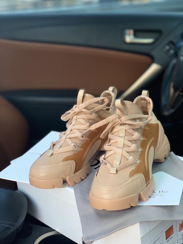 Шикарные женские кроссовки dior beige