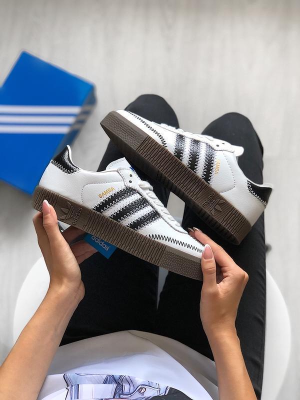 Шикарные женские кроссовки adidas samba