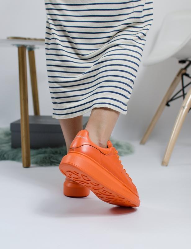 Шикарные женские кроссовки alexander mcqueen orange - Фото 4