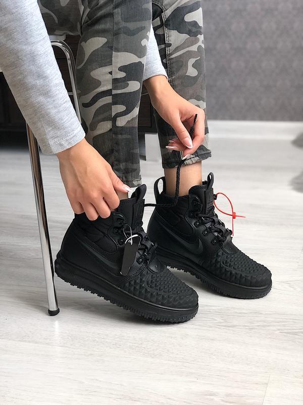 Шикарные  кроссовки nike lunar force duckboot black