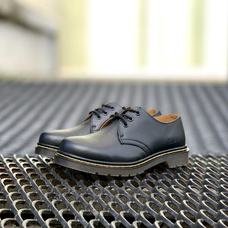 Шикарные женские  туфли dr.martens 1461black