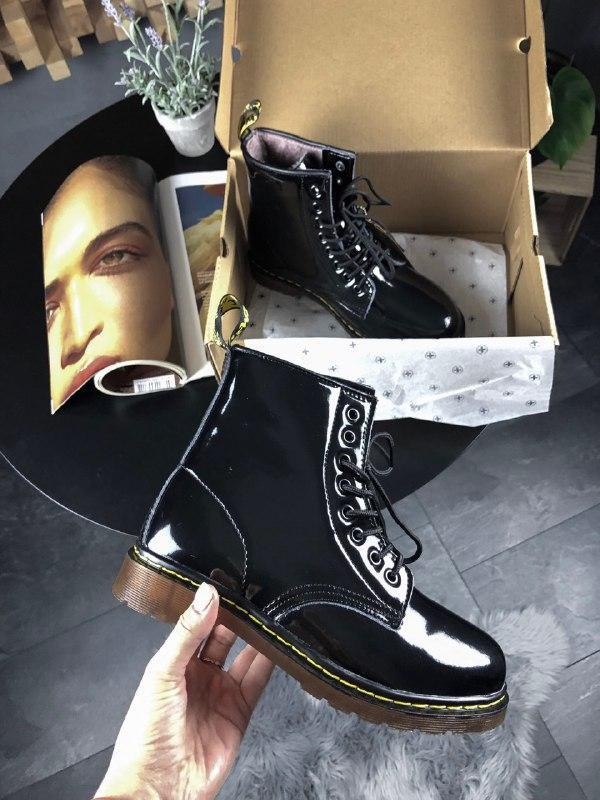 Шикарные женские зимние ботинки dr.martens 1460 black lacquere...
