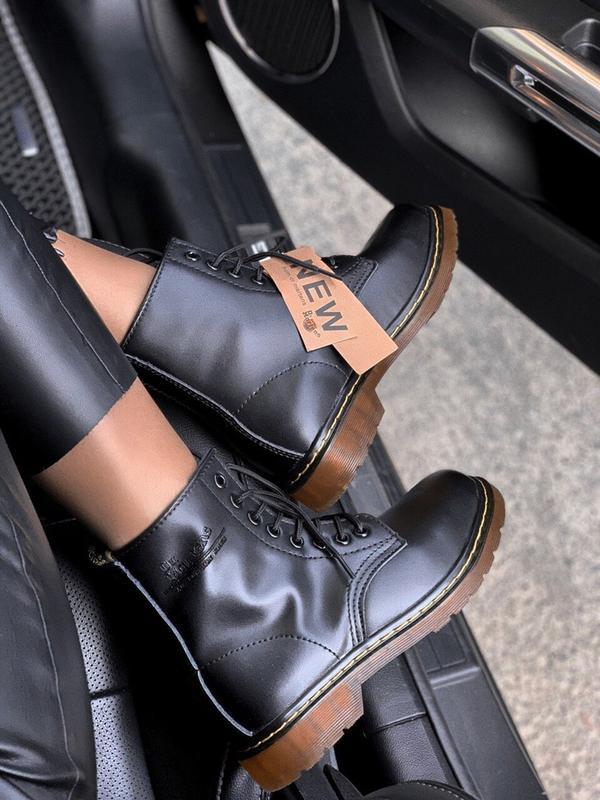 Шикарные женские осенние  ботинки dr. martens 1460 black class...