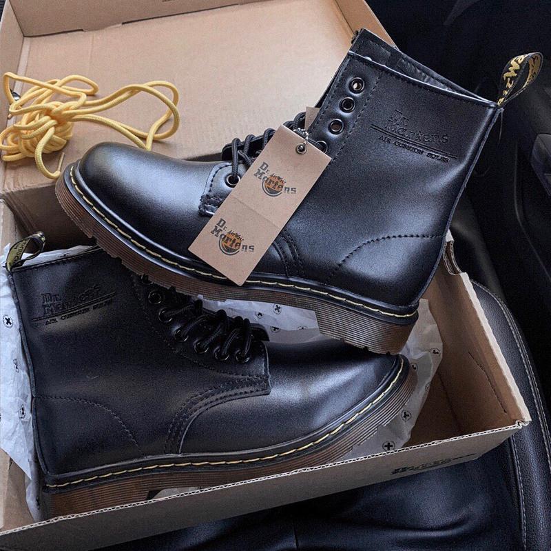 Шикарные женские осенние  ботинки dr. martens 1460 black class... - Фото 4