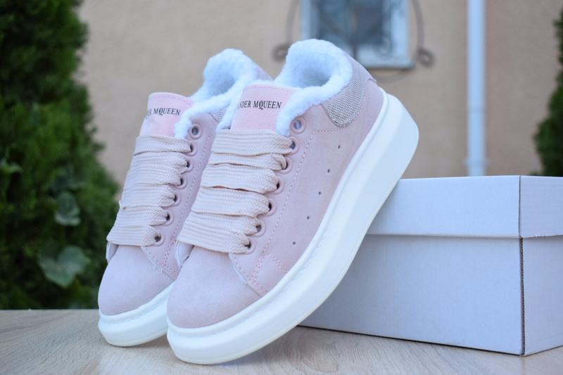 Шикарные женские зимние кроссовки alexander mcqueen pink