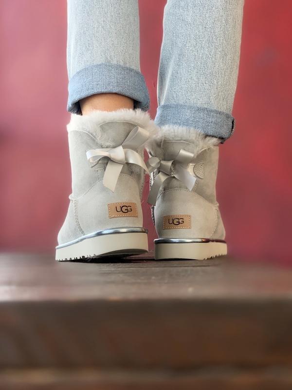 Шикарные женские сапоги ботинки зимние ugg bailey bow mini lig... - Фото 6