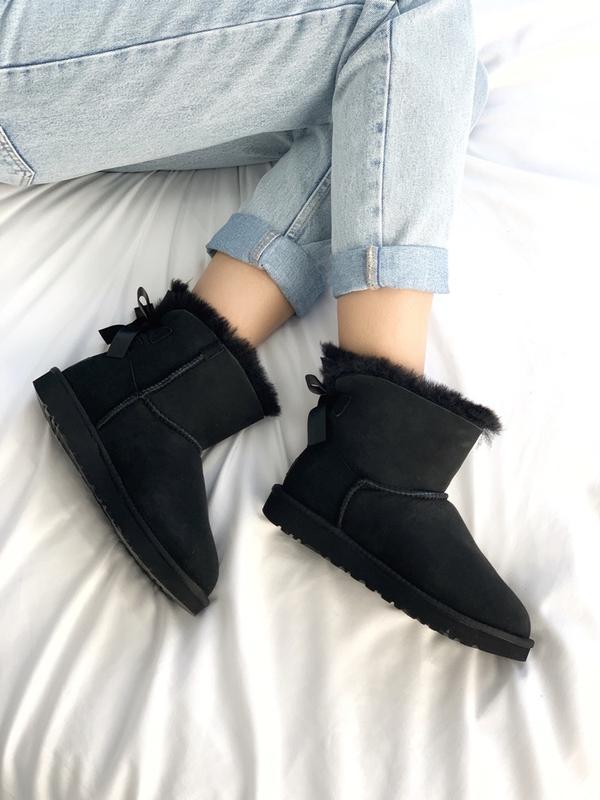 Шикарные женские сапоги ботинки зимние ugg bailey bow mini black