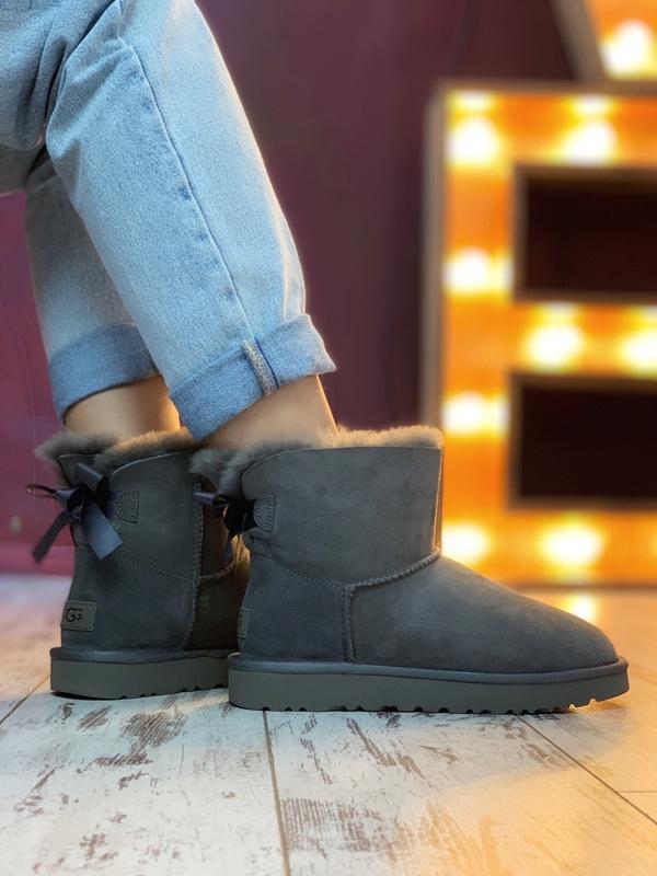Шикарные женские сапоги ботинки зимние ugg bailey bow mini gray