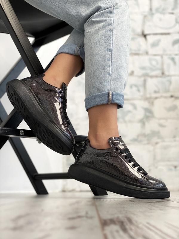 Шикарные женские кроссовки alexander mcqueen black space