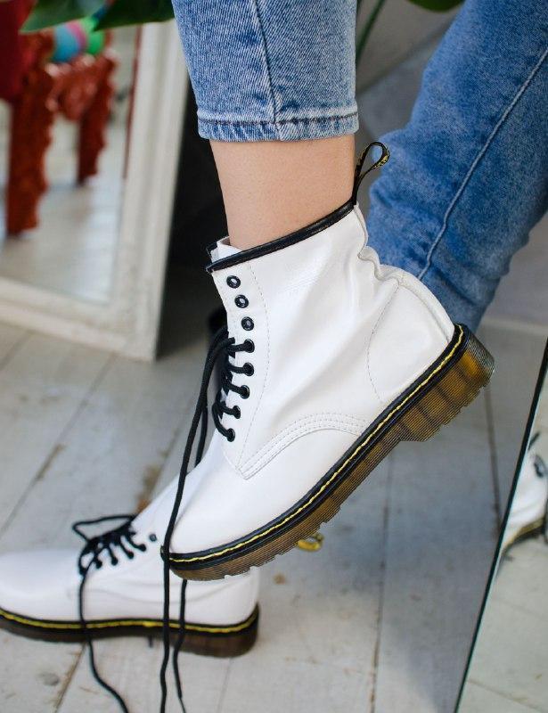 Шикарные женские осенние ботинки dr. martens white
