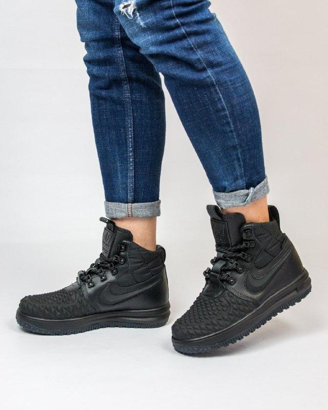 Шикарные женские кроссовки nike lunar force duckboot black
