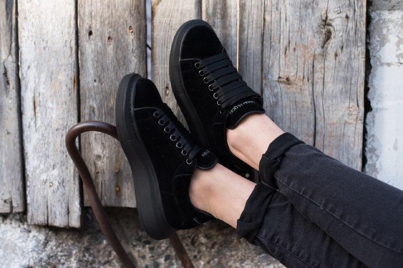 Шикарные женские кроссовки alexander   mcqueen suede black - Фото 4