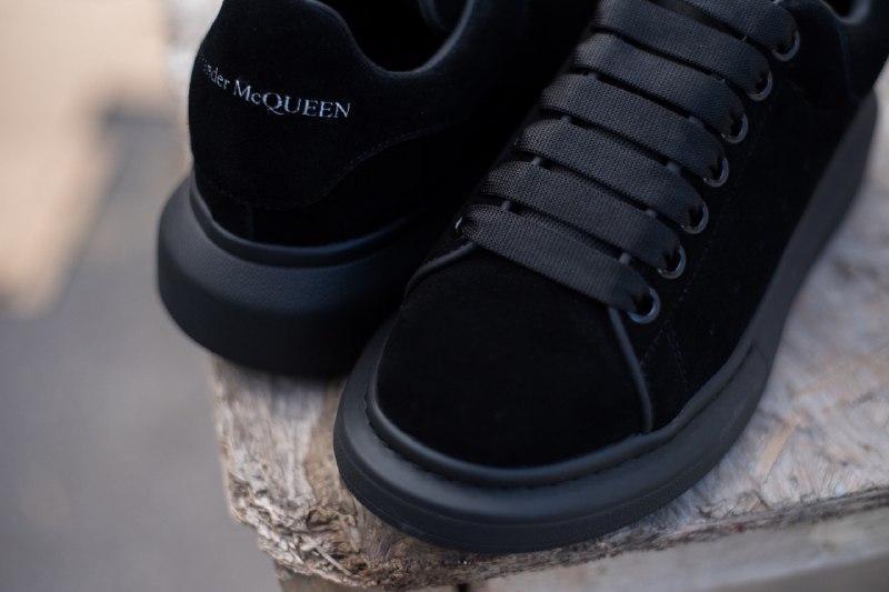 Шикарные женские кроссовки alexander   mcqueen suede black - Фото 5