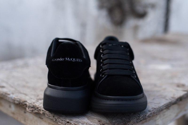 Шикарные женские кроссовки alexander   mcqueen suede black - Фото 6