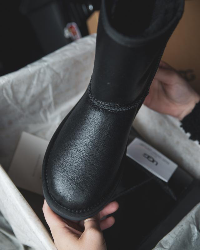 Шикарные женские зимние сапоги ботинки  ugg classic  leather - Фото 5