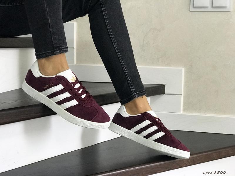 Шикарные женские кроссовки adidas gazelle bordo