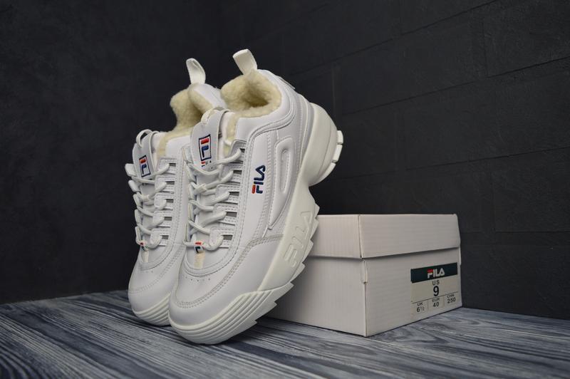 Шикарные женские зимние кроссовки с мехом fila disruptor 2 white